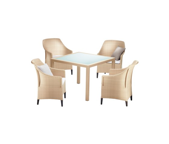 Summerland Dining table by DEDON