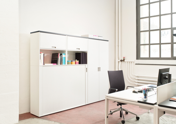 D1 Sliding door cupboard by Denz
