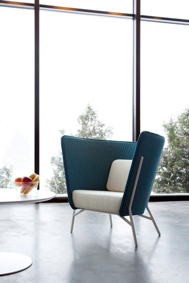 Aura Chair L by Inno