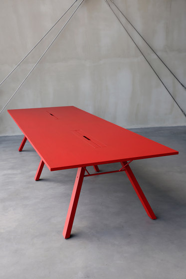 Lab Table by Inno