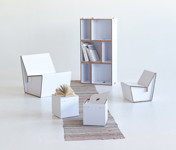 Kenno S Cardboard chair di Showroom Finland Oy