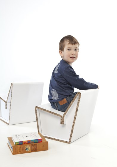 Kenno S Cardboard chair by Showroom Finland Oy