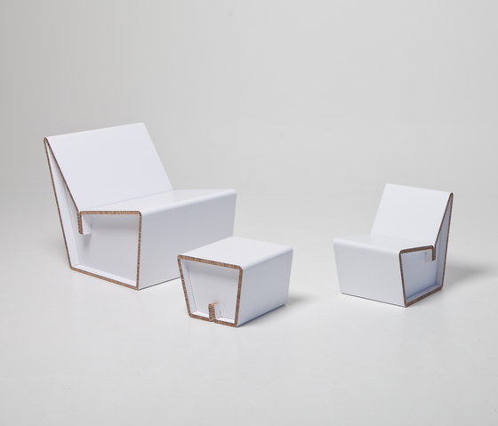 Kenno L Cardboard chair I XS stool de Showroom Finland Oy