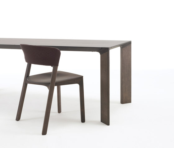 Steel table de Arco
