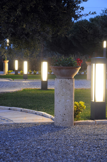 Quadrio 180 with opalescent diffuser by Arcluce