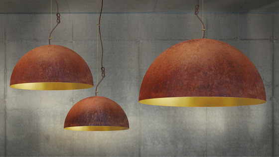 The Queen pendant lamp small by mammalampa