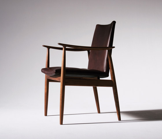 Rivage | Easy Chair by Ritzwell