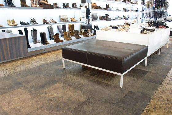 Tundra Grey by Alphenberg Leather