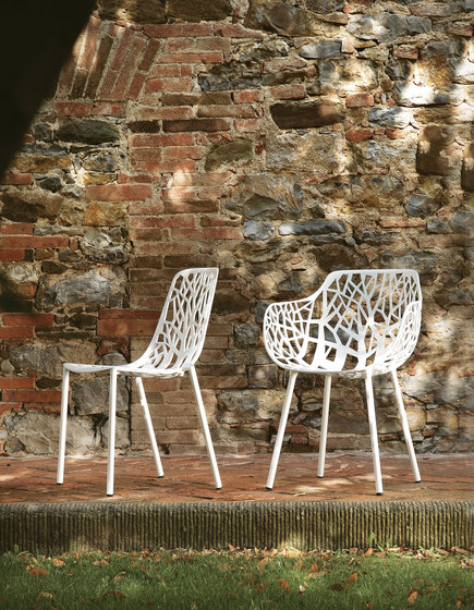 Forest swivelling armchair 01 by Fast