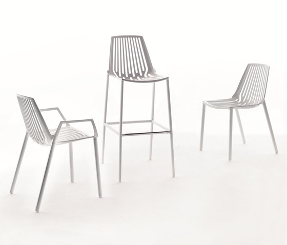 Rion chair by Fast