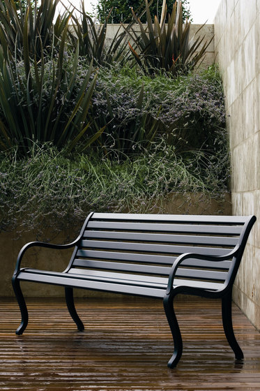 Oasi bench by Fast