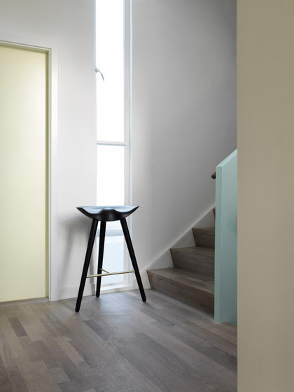 ML 50 stool fibreglass de by Lassen