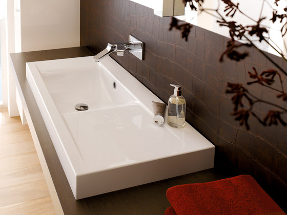 BetteWave Wall mounted washbasin by Bette