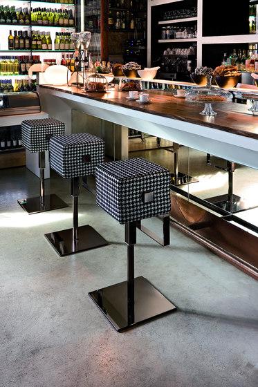 Cube Barhocker von ALMA Design