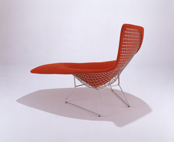 Bertoia asymmetric chaise chaise longues by knoll for Bertoia asymmetric chaise