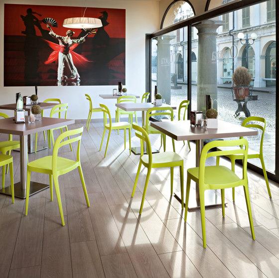 Julie Chair de ALMA Design
