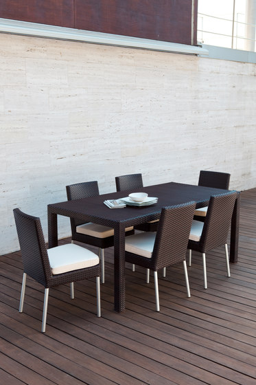 Golf square dining table by Point