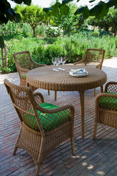 Green round dining table by Point