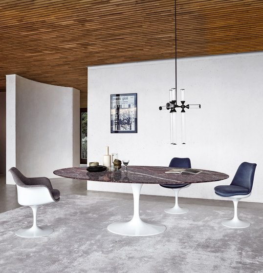 Saarinen Tulip Low Table de Knoll International