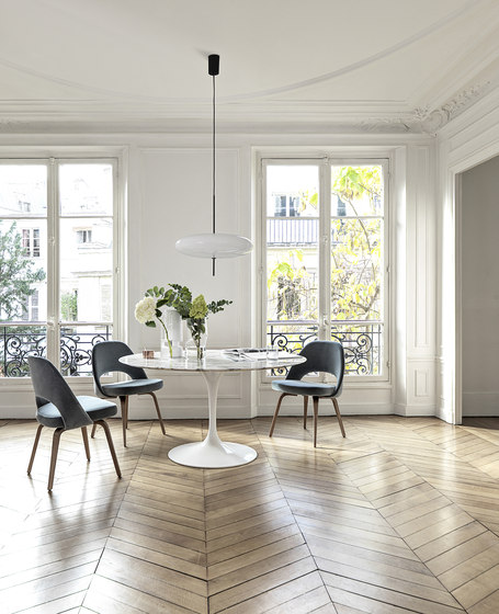 Saarinen Dining Table Oval by Knoll International