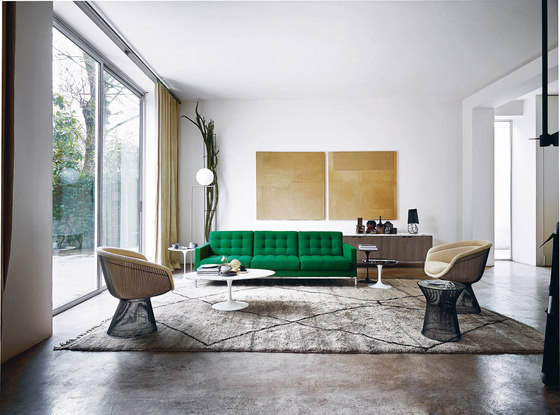 Saarinen Tulip Dining Table by Knoll International