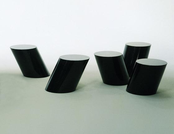 Stump Tavolino di Knoll International
