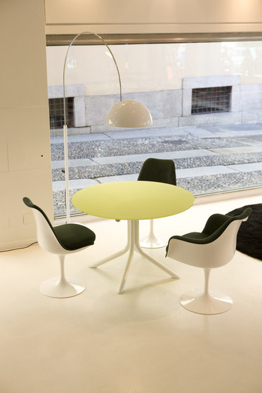 Lovegrove Tri-Oval Table by Knoll International