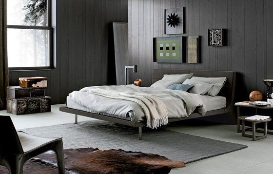 Angie bed by Poliform