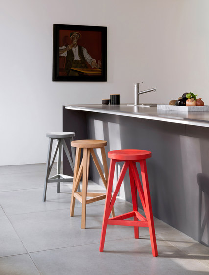 JL4 Faber Bar stool by LOEHR