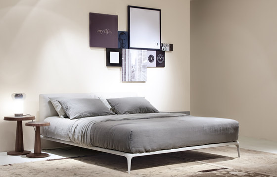 Park bed by Poliform