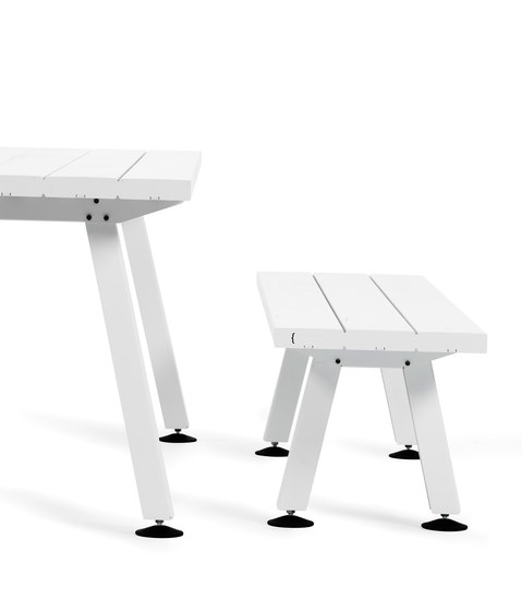 Marina Desk by extremis