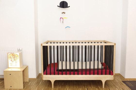 Caravan Crib by De Breuyn