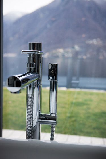 Twinprime | 4-holes roman tub filler by Laufen