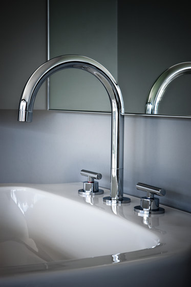 Twinprime | 5-holes roman tub filler by Laufen