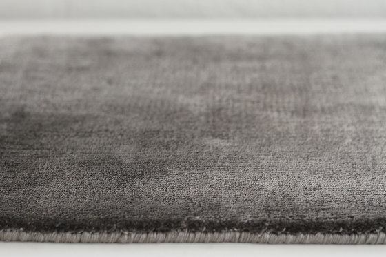 Basic Bamboo silk by Now Carpets