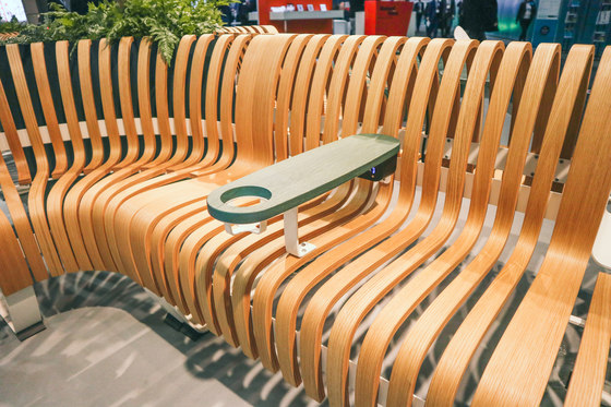 Nova C Wide Bench curved module von Green Furniture Concept
