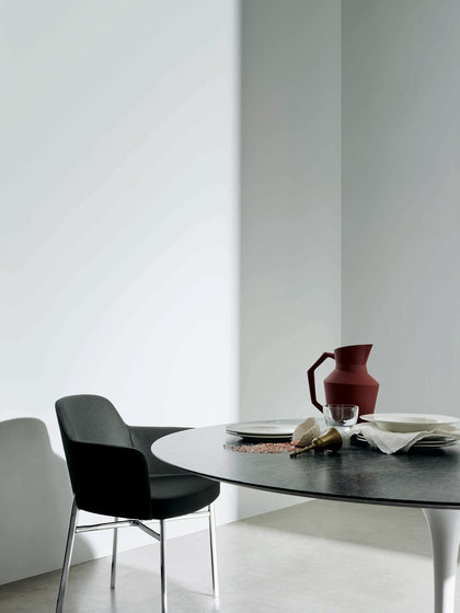 Krusin Side Chair by Knoll International