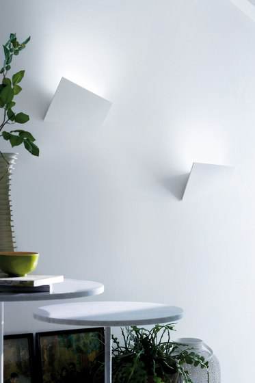 Verso Wall light by LUCENTE