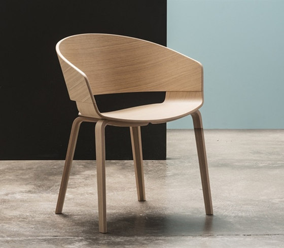 New Ronda Armchair von Andreu World