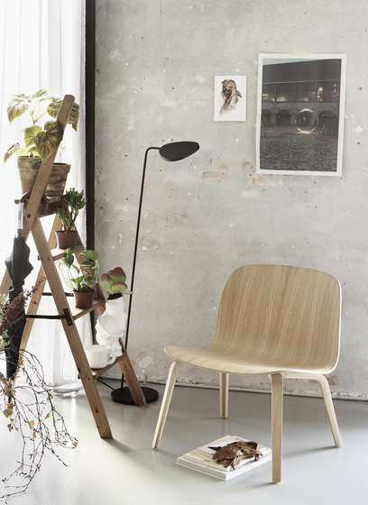 Visu Chair | wood base upholstered von Muuto