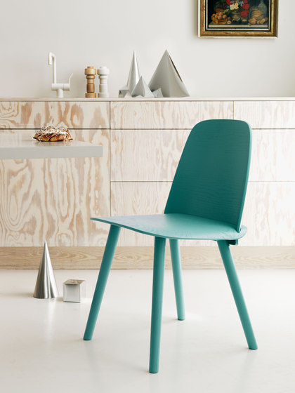 Nerd Bar Stool | high de Muuto