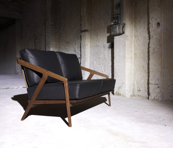 Katakana Occasional Chair di Dare Studio