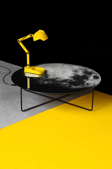My Moon My Mirror Table di Diesel with Moroso