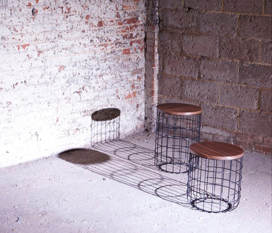 Wire Group Low Stool von Dare Studio