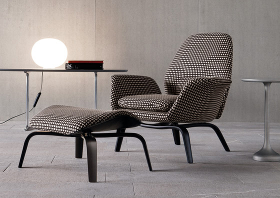 Gilliam armchairs from minotti architonic for Interesting armchairs