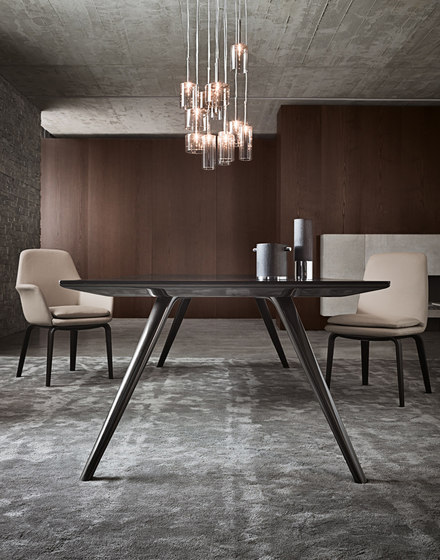 Evans by Minotti