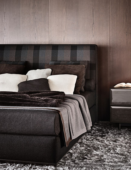 Powell Bed.121 de Minotti
