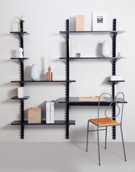 Totem shelf by Klong