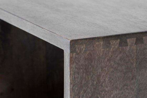 Box side table by Mater