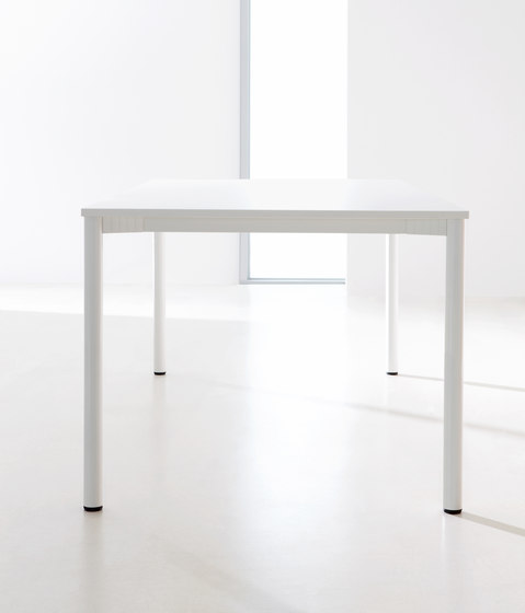 Z Series Conference table system by ophelis